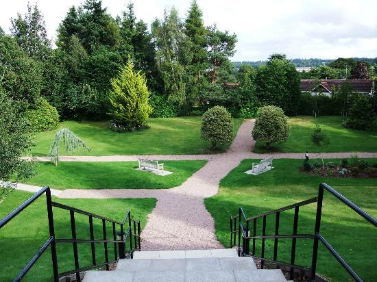 BEST WESTERN PLUS Inverness Lochardil House Hotel: A lovely view of the grounds while you eat!