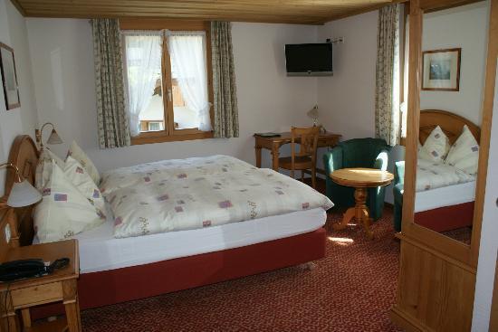 Hotel Hirschen: Standard/Komfort Doppelzimmer