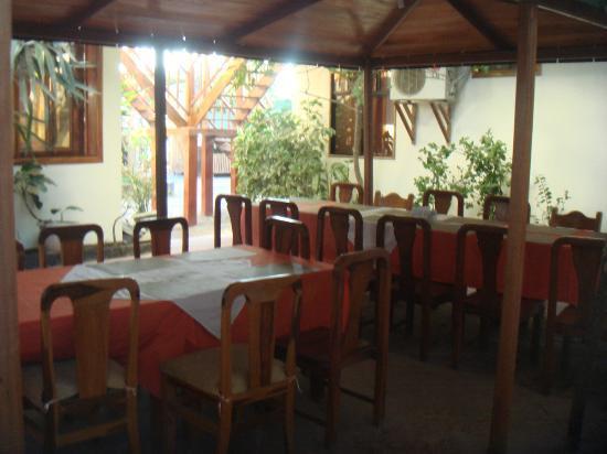 Hotel San Vicente Galapagos: outdoors dinning