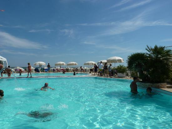 Bagno Holiday Village : piscina