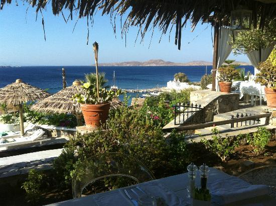 Apollonia Hotel & Resort: Outside Dining..all the way!!!