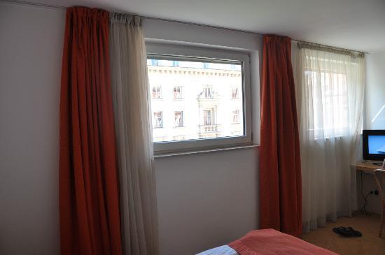 Arte Hotel: Window