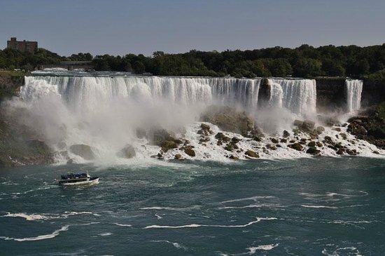 BG Tours Canada -  Toronto to Niagara Falls Day Tour: The american falls