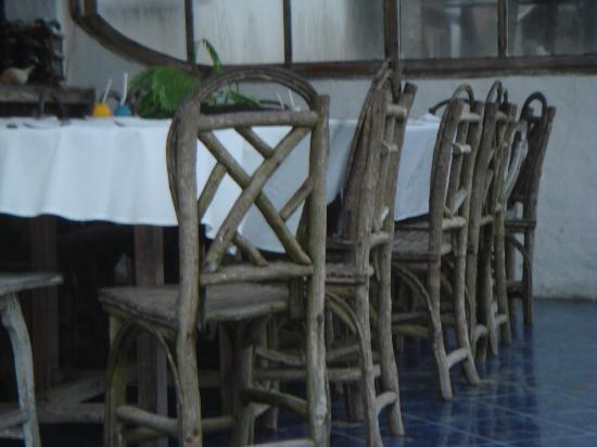 Beto's Beach Bar : chairs