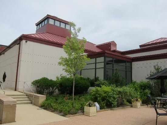 James A. Michener Art Museum: Outdoor eating area