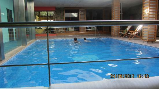 Hotel Haldon Country: Piscina Haldón Country Robledillo de la Vera
