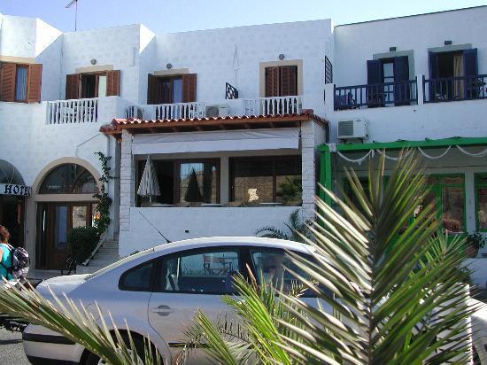 Captain's House Hotel: Facciata albergo Skala