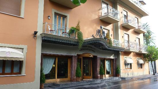 Grand Hotel Ambasciatori: Front