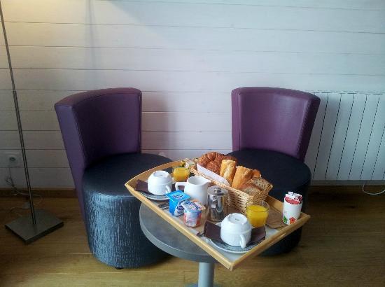 Hotel Monet: petit déjeuner en chambre