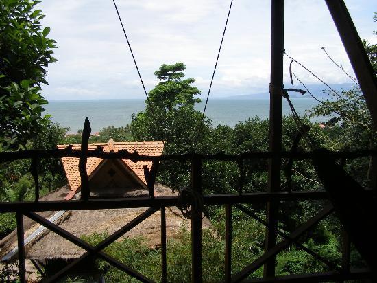 Le Bout du Monde - Khmer Lodge: Soleil levant...