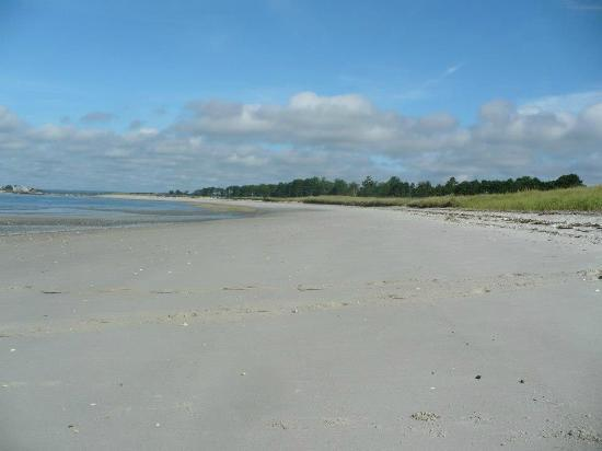 Black Point Inn Resort: White sandy beach...VERY private !