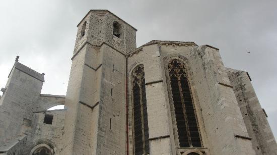 Basilique Sainte-Marie-Madeleine: Outside view