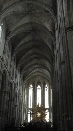 Basilique Sainte-Marie-Madeleine: Inside