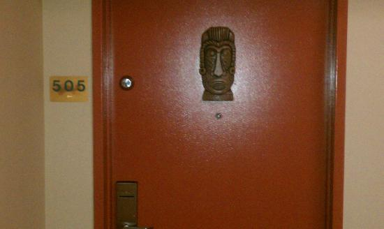 BEST WESTERN Aku Tiki Inn: The crack break room