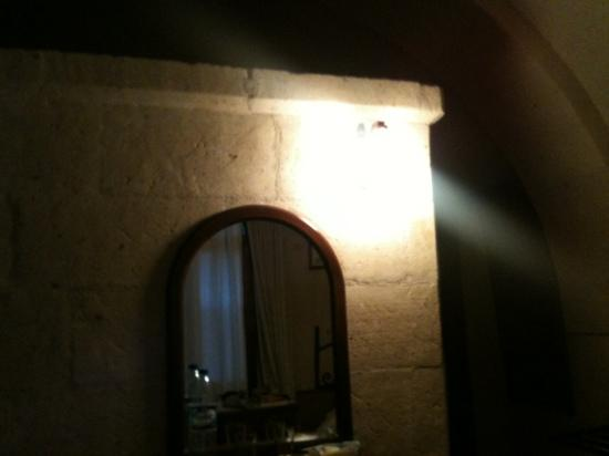 Hotel Surban: inside of my room. Nice stone walls and decoration