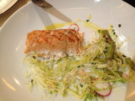 Kellari Taverna: salmon