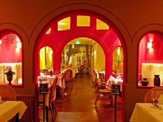 Indian Restaurant Maharani: View of restaurant