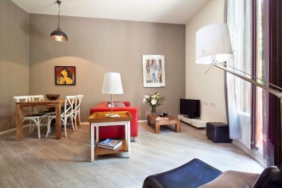 Aspasios Rambla Catalunya Suites: Livingroom