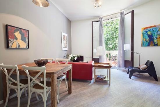 Aspasios Rambla Catalunya Suites: Vista Comedor