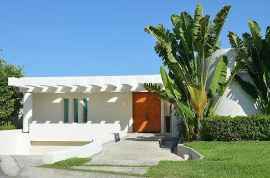 Villa Amanda : Front Entrance