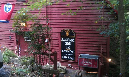 Ledford Mill Bed and Breakfast: Ledford Mills
