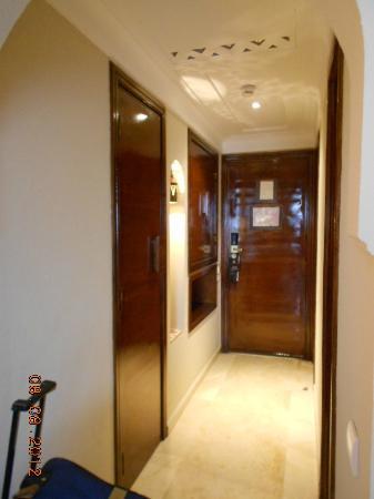Hivernage Hotel & Spa: Couloir entrée chambre
