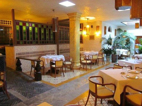 Restaurante mandragora en tarifa con cocina otras cocinas - Mandragora decoracion ...