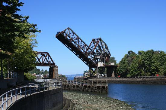 Hiram M. Chittenden Locks: il ponte della ferrovia poco distante