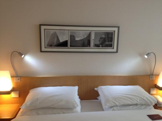 Mercure Paris La Defense 5: bed