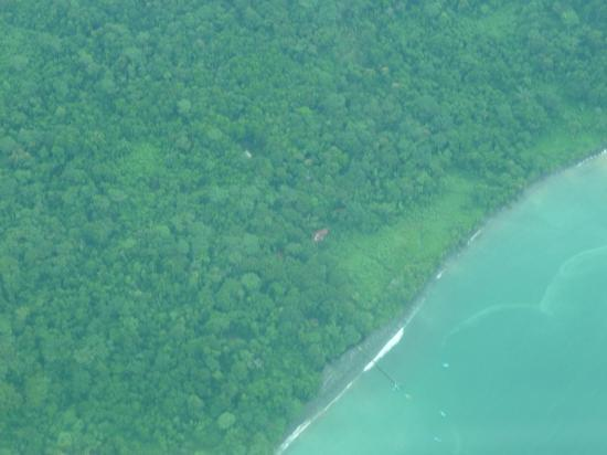 Playa Nicuesa Rainforest Lodge: flight over Nicuesa Lodge