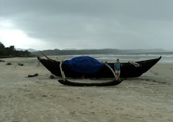 Cavelossim Beach : the boat