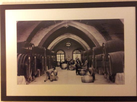 Embassy Suites by Hilton Napa Valley: Picture on the wall