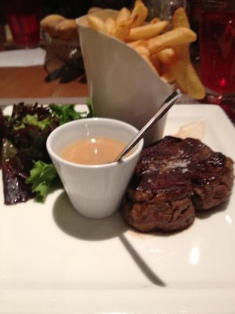 Mercure Paris La Defense 5: the steak I had at the hotel restaurant