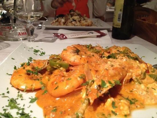 Restaurant Neptune: shrimps Saganaki