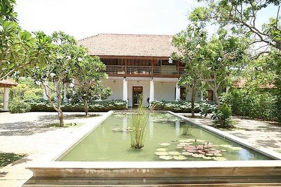Uga Ulagalla: Haupthaus mit Restaurant
