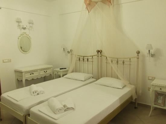 Kallisti Studios: Comfortable room
