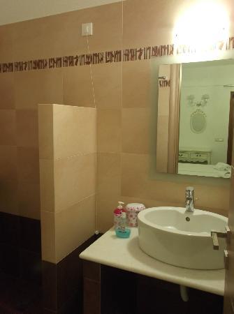Kallisti Studios: Quality bath