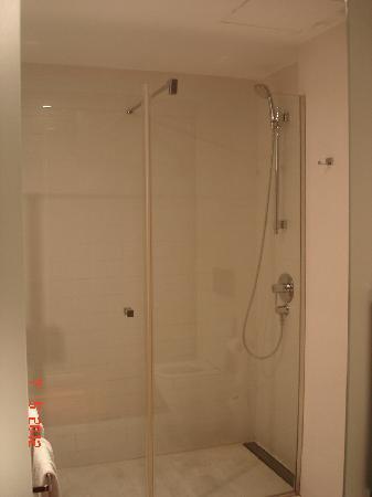 Eurostars Lex: bath