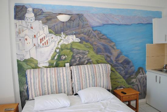 สตูดิโอมาเรียส: dietro al letto
