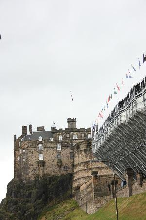 Edinburgh military tattoo picture of the royal edinburgh for Scotland military tattoo