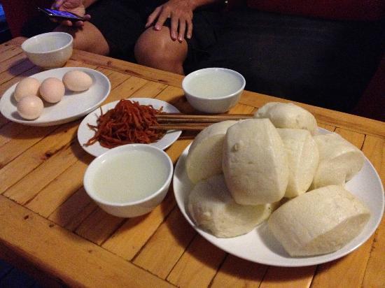 Dengba Inn : Breakfast available for private rooms
