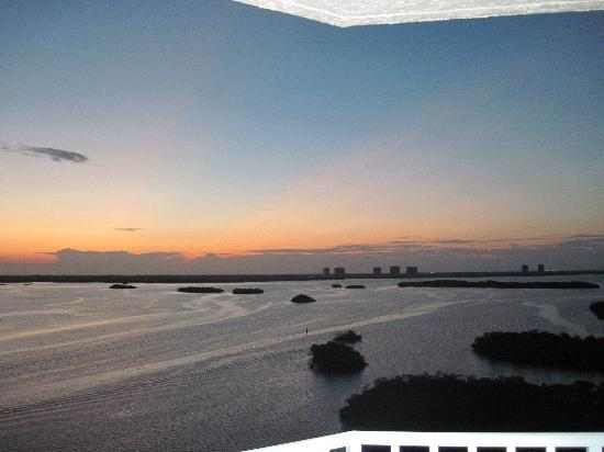 Lovers Key Resort: Sunrise from our suite