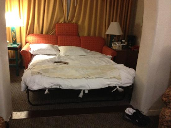 La Fonda on the Plaza: Deluxe room (alcove with sofa bed) not much space to move around