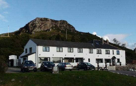 Rhiconich Hotel: vista dalla strada