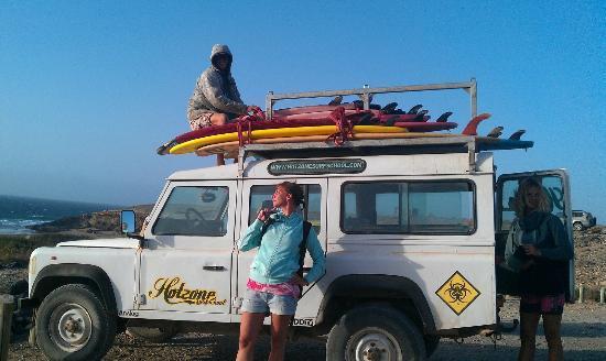 Hotzone Surf: Landrover brengt je naar de beste spots
