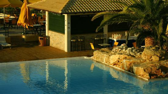 Solimar Aquamarine Hotel: Pool and PoolBar