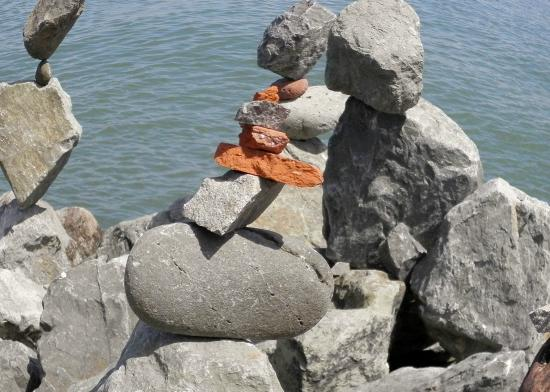 Bill Dan Balancing Rocks: It can be done with various sizes of rocks: ART