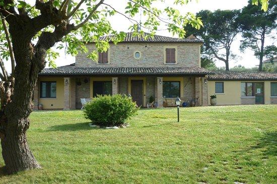 Agriturismo Papaveri e Papere : Ansicht Haus