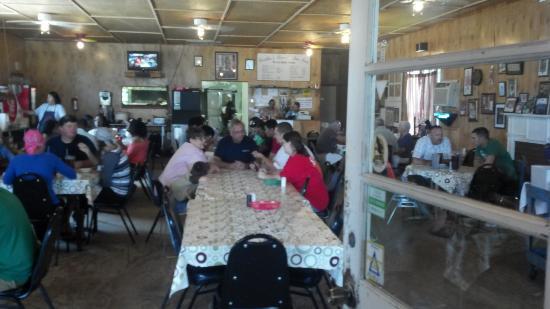 Leatha's Bar-B-Que Inn : Good southern feel inside!