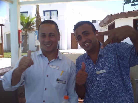 Tropicana Rosetta & Jasmine Club: pool barmen